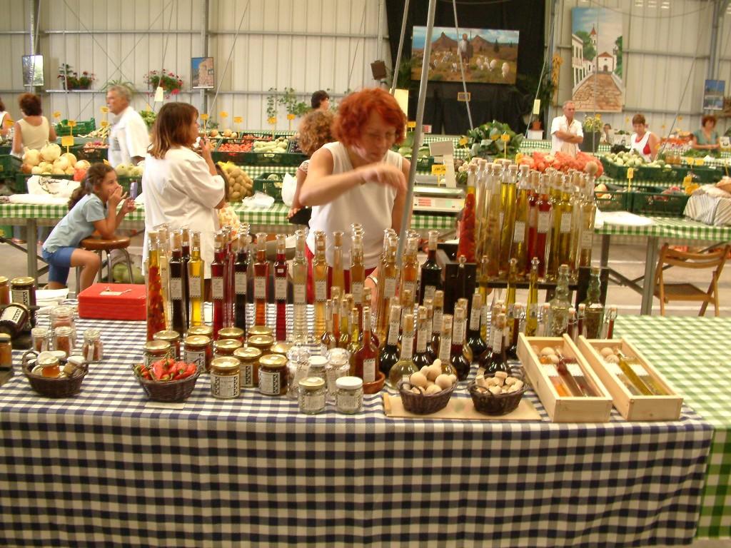 Lokalne produkty na ryneczku w San Isidro na Teneryfie