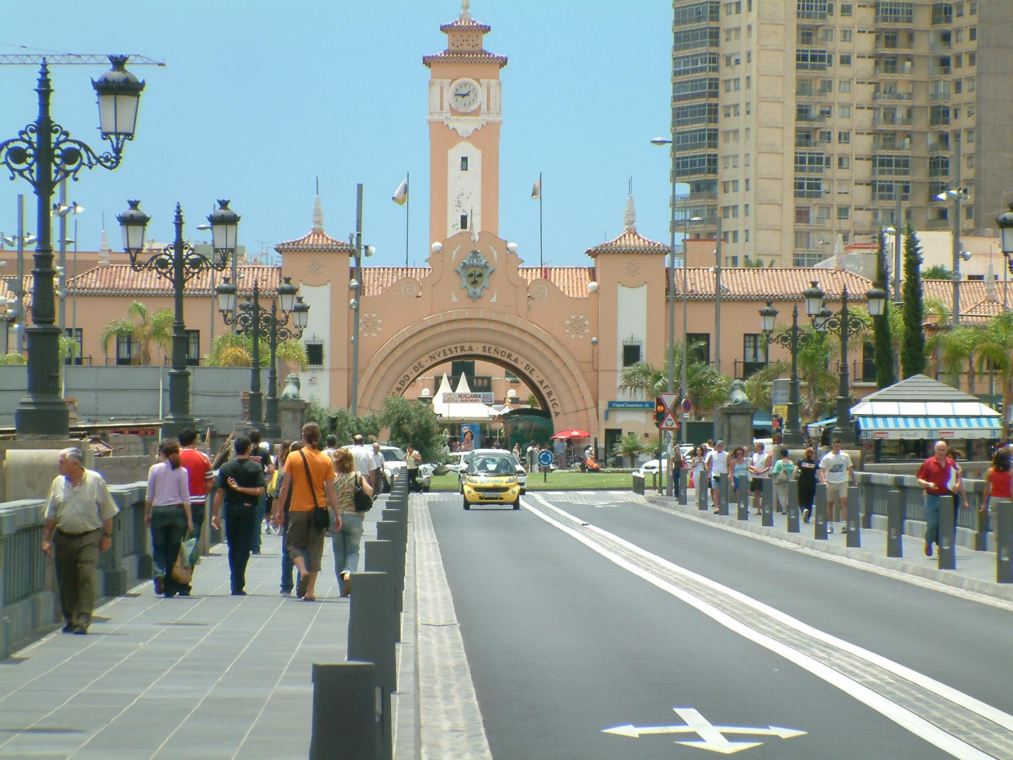 Mercado de Nuestra Senora de Africa w Santa Cruz